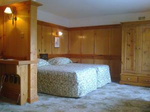 The Bedrooms at Donington Manor Hotel