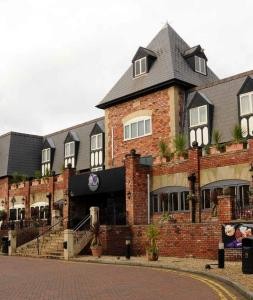 Village Hotel And Leisure Club Cheadle