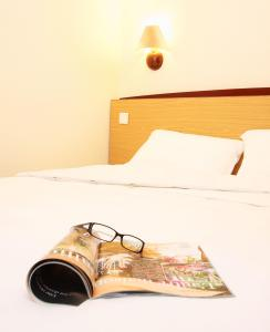 The Bedrooms at Campanile Hotel Cardiff