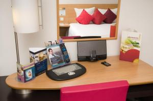 The Bedrooms at Novotel London City South