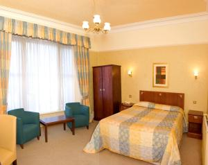 The Bedrooms at Cairndale Hotel And Leisure Club