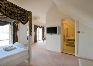 The Bedrooms at Normanton Park Hotel