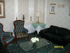The Bedrooms at Bella Vista House and Pizzeria