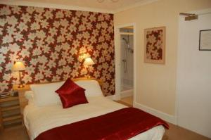The Bedrooms at Fernbank Guest House