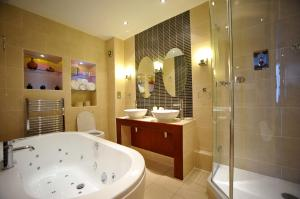 The Bedrooms at Cedar Court Hotel Huddersfield and Halifax