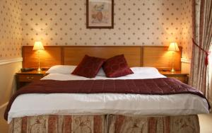 The Bedrooms at Claymore House Hotel