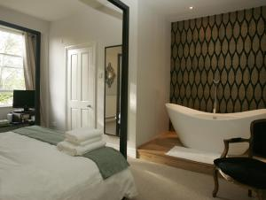 The Bedrooms at The Somerset Arms