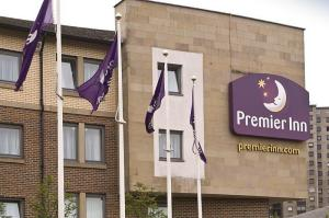 The Bedrooms at Premier Inn Glasgow City Centre South