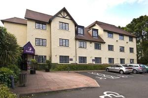 The Bedrooms at Premier Inn Birmingham North (Sutton Coldfield)