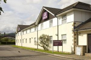 The Bedrooms at Premier Inn Caerphilly (Crossways)