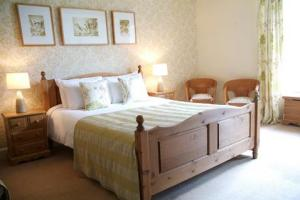 The Bedrooms at The Lister Arms