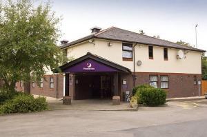 The Bedrooms at Premier Inn Caerphilly (Corbetts Lane)