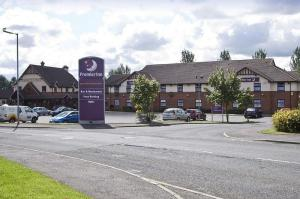 The Bedrooms at Premier Inn Glasgow (Bellshill)