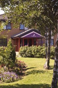 The Bedrooms at Premier Inn Glasgow (Hamilton)