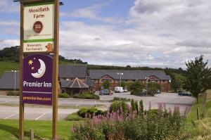 The Bedrooms at Premier Inn Dundee (Monifieth)