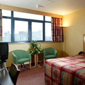 The Bedrooms at Days Hotel Nottingham