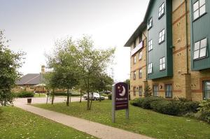 The Bedrooms at Premier Inn Luton Airport