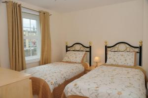 The Bedrooms at Edinburgh Pearl Apartments - Dalry Gait