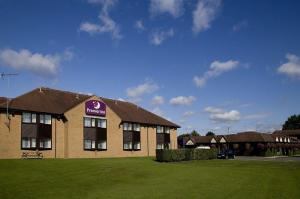 The Bedrooms at Premier Inn Northampton West (Harpole)