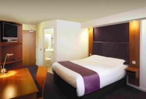 The Bedrooms at Premier Inn Northampton South (Wootton)