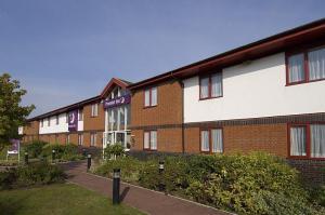 The Bedrooms at Premier Inn Tewkesbury (Strensham)