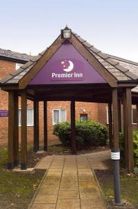 The Bedrooms at Premier Inn Wirral (Childer Thornton)