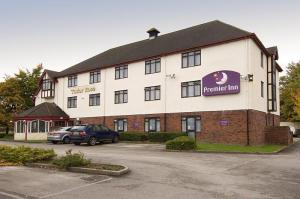 The Bedrooms at Premier Inn Wirral (Two Mills)