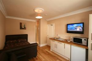 The Bedrooms at Castle Studios Gloucester Rd