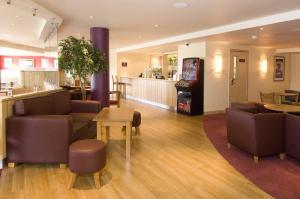 The Bedrooms at Premier Inn Cambridge A14 J32
