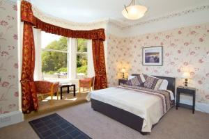 The Bedrooms at Kings Knoll Hotel