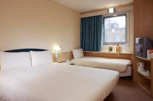 The Bedrooms at Ibis London Docklands Excel