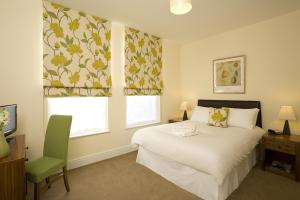 The Bedrooms at SACO Reading - Castle Cresent