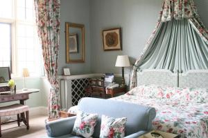 The Bedrooms at Hartwell House and Spa
