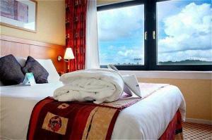 The Bedrooms at Holiday Inn Edinburgh North