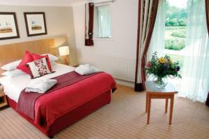 The Bedrooms at Oxford Thames Four Pillars Hotel