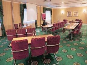 The Bedrooms at Thistle Hotel and Conference Centre East Midlands Airport