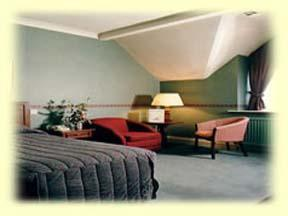 The Bedrooms at Brooklands-Grange Hotel