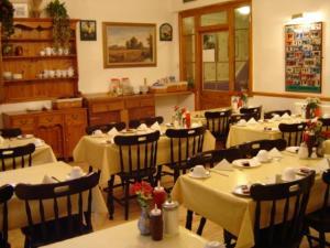 The Restaurant at Belvedere Hotel