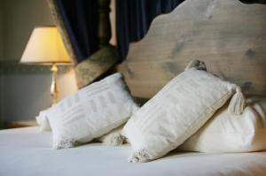The Bedrooms at Stonecross Manor Hotel