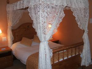 The Bedrooms at Six Hills Hotel