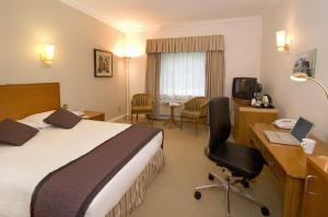 The Bedrooms at Holiday Inn Corby Kettering A43