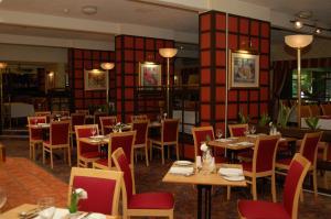 The Restaurant at Holiday Inn Newport
