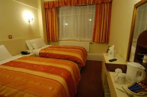The Bedrooms at Best Western Cresta Court Hotel Manchester