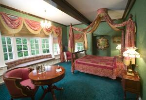 The Bedrooms at Mere Court Hotel
