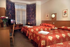 The Bedrooms at Euro Wembley (Elm Hotel)