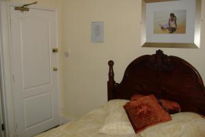 The Bedrooms at The Olive Tree (By The Castle)